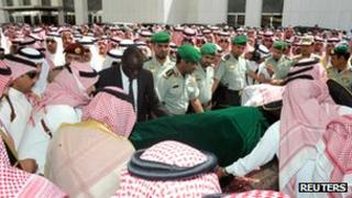 Saudi princes carrying the coffin of Crown Prince Nayef
