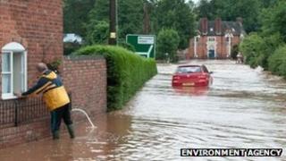 Flooding at Newnham Bridge