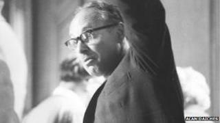 Austrian writer Erich Fried discusses literary censorship at the 1962 conference