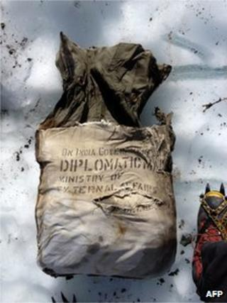 """This undated handout picture shows a diplomatic bag reading """"Diplomatic mail"""" and """"Ministry of external affairs"""" belonging to the Indian Government after it was found at the Bossons Glacier, near the Mont Blanc in the French Alps, on August 21, 2012."""