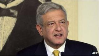 Andres Manuel Lopez Obrador speaks to reporters. Photo: 31 August 2012