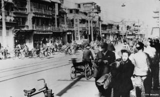 Beijing street scene (1965)