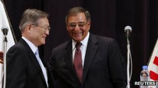 US Secretary of Defense Leon Panetta (R) and Japan Minister of Defense Satoshi Morimoto 17 September 2012