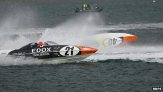 Picture of powerboat crash in Weymouth Bay