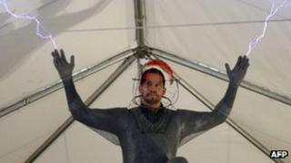 David Blaine previewing his Electrified stunt in New York