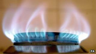 Gas ring flame