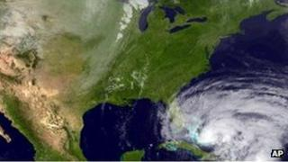Satellite image provided by the National Hurricane Center showing Sandy moving north towards the US coastline, 25 October 2012