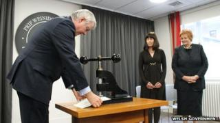 Carwyn Jones and official seal