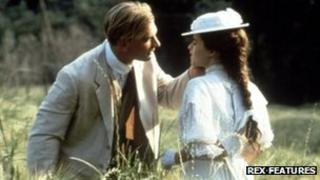 Julian Sands and Helena Bonham Carter in A Room with a View