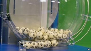 Numbers are chosen at Powerball's Florida lottery in Tallahassee, Florida 28 Florida 2012