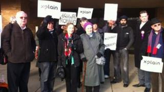 Protest again centre:mk's plans