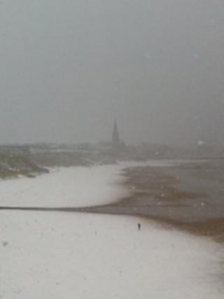 Snow on Tynemouth beach