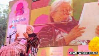Mahasweta Devi at Jaipur Literature Festival 2013 reading her keynote speech