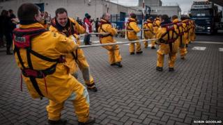 Lifeboat pull