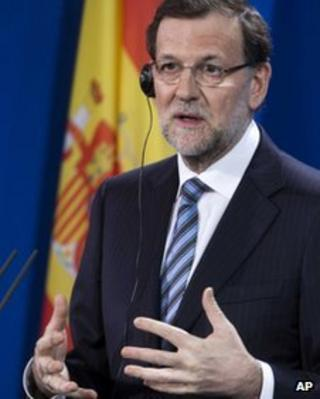 Mariano Rajoy speaks at a press conference in Berlin, 4 February 2012