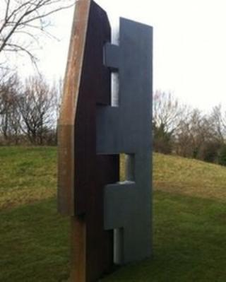 Geoff Waterfield sculpture at SSI