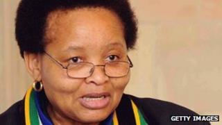 South African women's minister Lulu Xingwana (file photo)