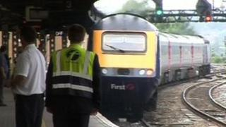 First Great Western retains franchise for further six months