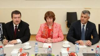 Serbian Prime Minister Ivica Dacic, EU foreign policy chief Catherine Ashton and Kosovan Prime Minister Hashim Thaci - 19 April