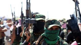 Sunni gunmen protest in Ramadi (April 26 2013)