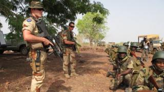 Malian troops being trained by EU, May 2013