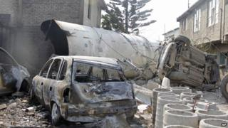 The remains of a gas tanker in Ecatepec on 7 May 2013