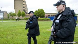 Armed officers in Marsh Farm, Luton