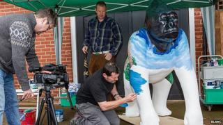 Artist paints Go Go Gorilla
