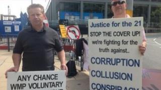 Brian Hambleton (l) and colleague Mike Watts