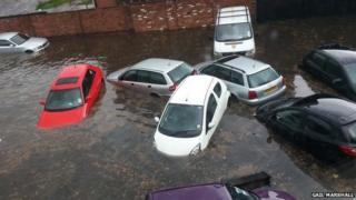 Cars in flood water near Mansfield Road