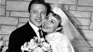 Singers Steve Lawrence and Eydie Gorme on their wedding day, 1957
