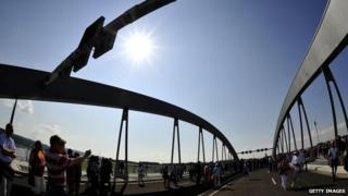 Visitors on Dresden's controversial Waldschloesschen bridge after the opening ceremony (24 August)