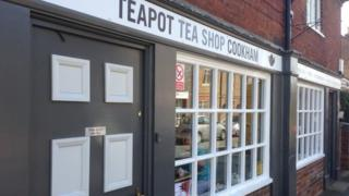 Exterior of the Teapot tea shop in Cookham