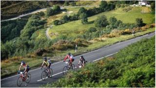 Riders in the Wiggle Etape Cymru