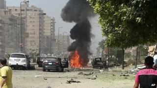 Aftermath of car bomb attack that targeted Egypt's interior minister in Cairo (5 September 2013)