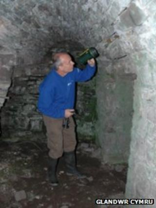 Dr Mark Robinson, Glandŵr Cymru ecologist