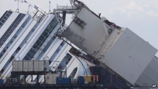 Costa Concordia, 16 September 2013