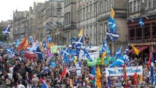 Thousands of people took part in the march in favour of Scottish independence