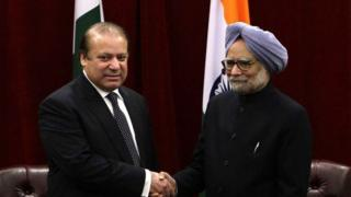 Pakistan Prime Minister Nawaz Sharif (left) has invited his Indian counterpart Manmohan Singh to visit his country