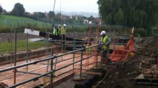 New gates being installed at Dudbridge Locks in Stroud