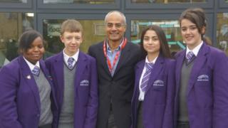 George Alagiah posing with School Reporters