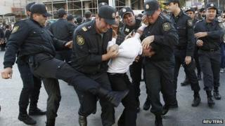 Opposition activist arrested in Baku, 12 Oct 13