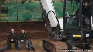 Artificial badger sett construction, Exmouth