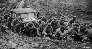 Nazi retreat from Moscow in 1941 in quagmire of snow and mud