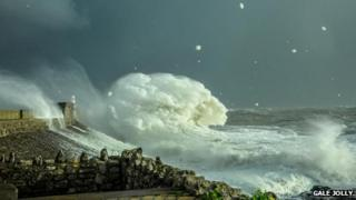 This photo shows the sea at Porthcawl