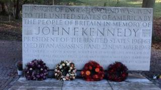 Kennedy Memorial Trust stone with wreaths