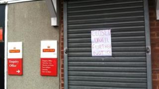 Closed sign at Nuneaton sorting office