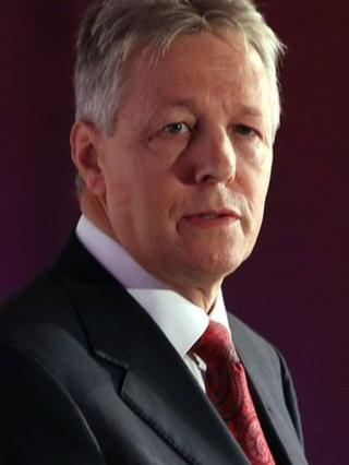 Peter Robinson has said his party would oppose any amnesty
