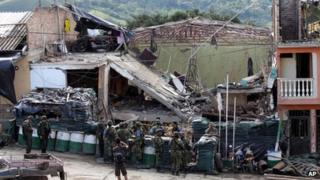 Farc attack at police station in Inza, 7 Dec 13
