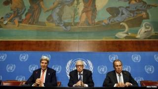 John Kerry, Lakhdar Brahimi and Sergei Lavrov at the UN in Geneva (13 September 2013)